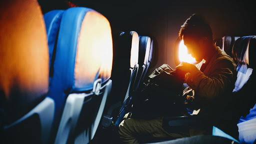 homme interieur avion