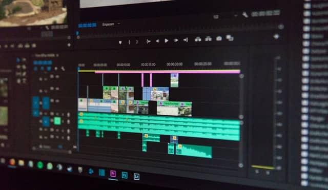 montage de vidéo sous ordinateur
